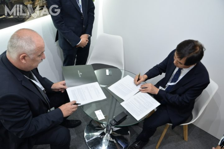 Podpisanie umowy Pagacz Defence Group z LS Mtron