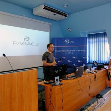 Pokaz otwiera menedżer eksportu PDG p. Sebastian Babula