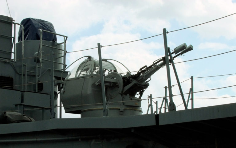 Okrętowe dwulufowe działko przeciwlotnicze